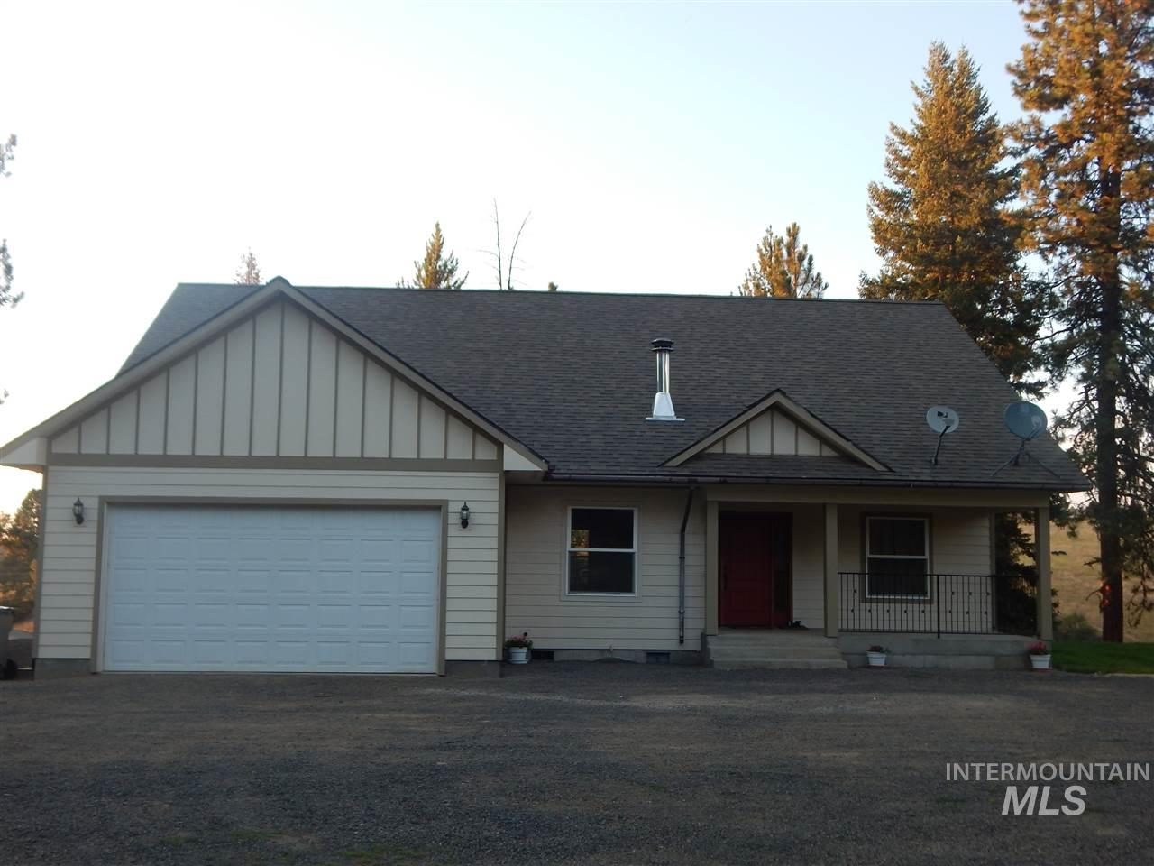Single Family Home for Sale at 1310 Old Highway 8 1310 Old Highway 8 Deary, Idaho 83823