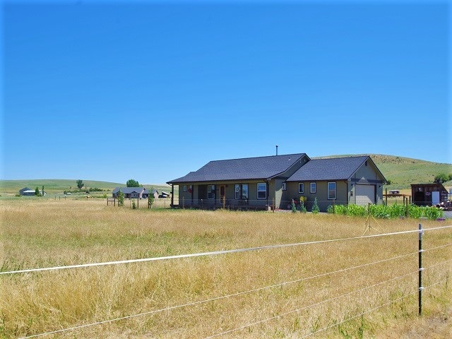 Single Family Home for Sale at 2915 Hall Road 2915 Hall Road Cambridge, Idaho 83610