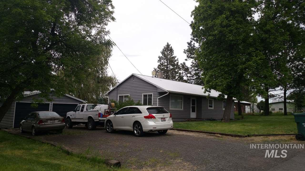 Single Family Home for Sale at 405 E North 4th St Grangeville, Idaho 83530