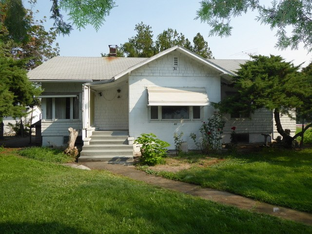 31 E Washington Ave, Homedale, ID 83628