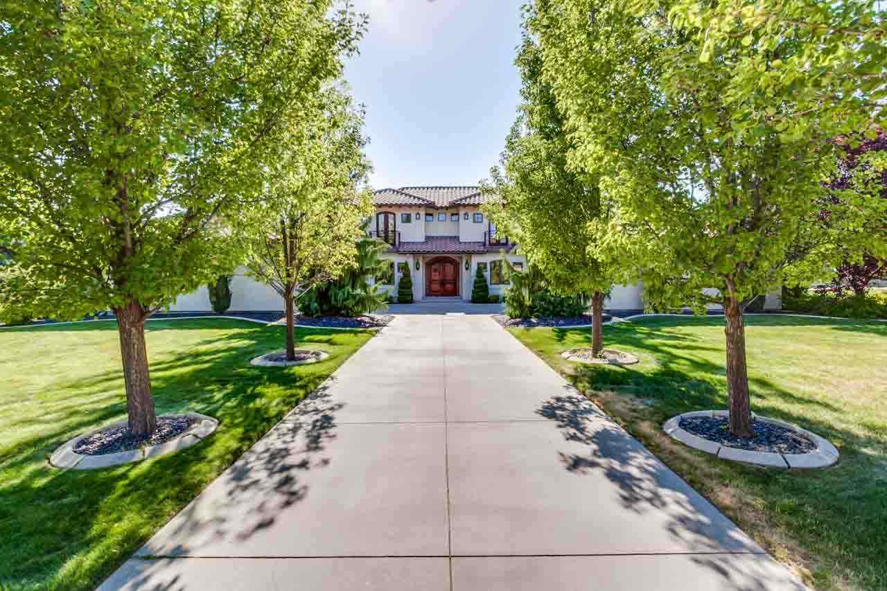 2147 N Emerald Bay, Eagle, Idaho 83616, 4 Bedrooms, 4.5 Bathrooms, Rental For Rent, Price $5,000, 98664000