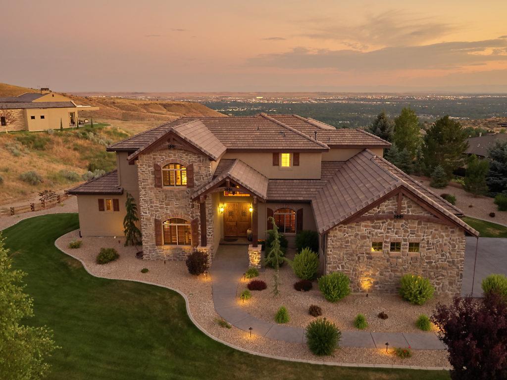 Single Family Home for Sale at 2937 E Table Rock Rd Boise, Idaho 83712