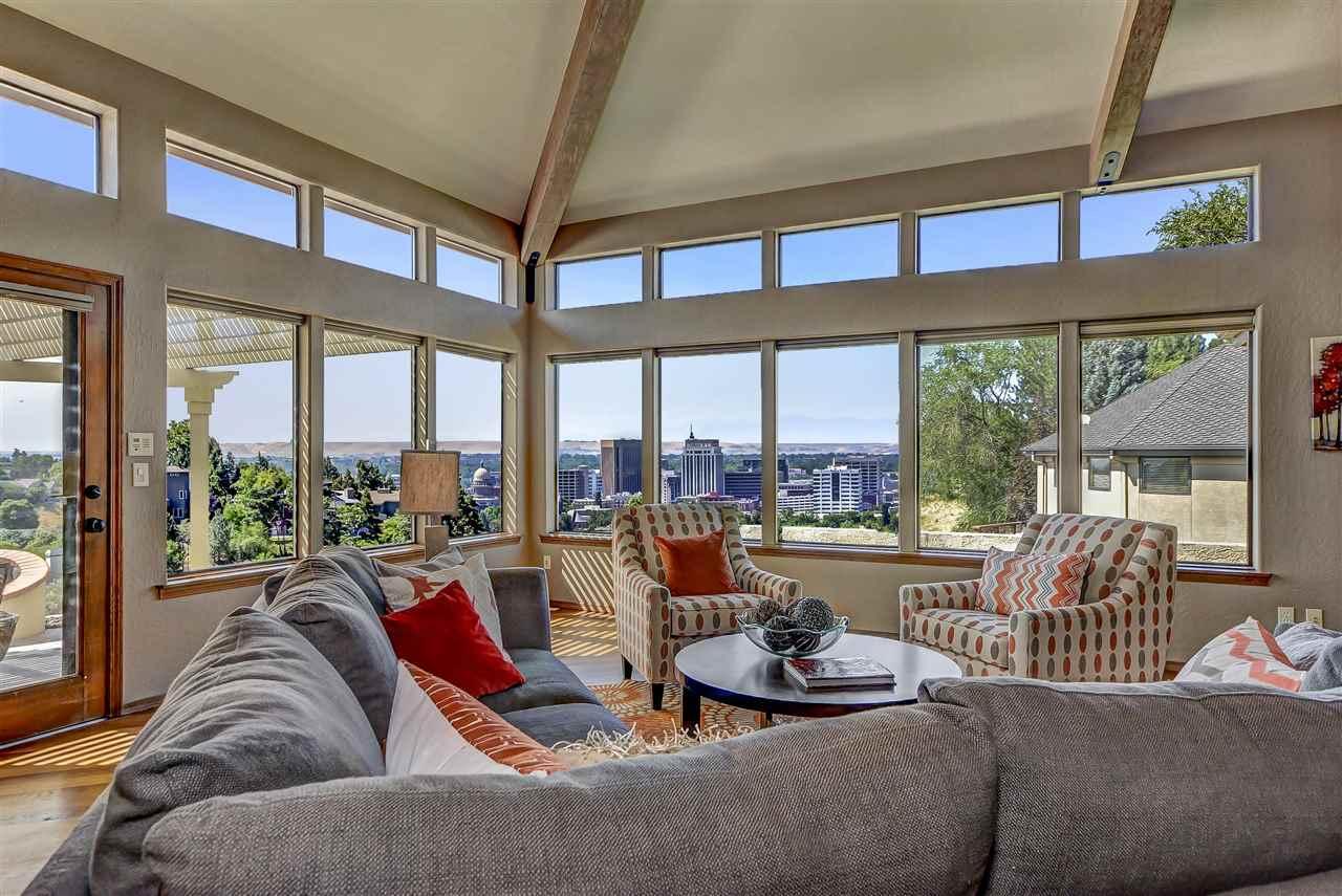 Single Family Home for Sale at 381 W Ridgeline Drive Boise, Idaho 83702