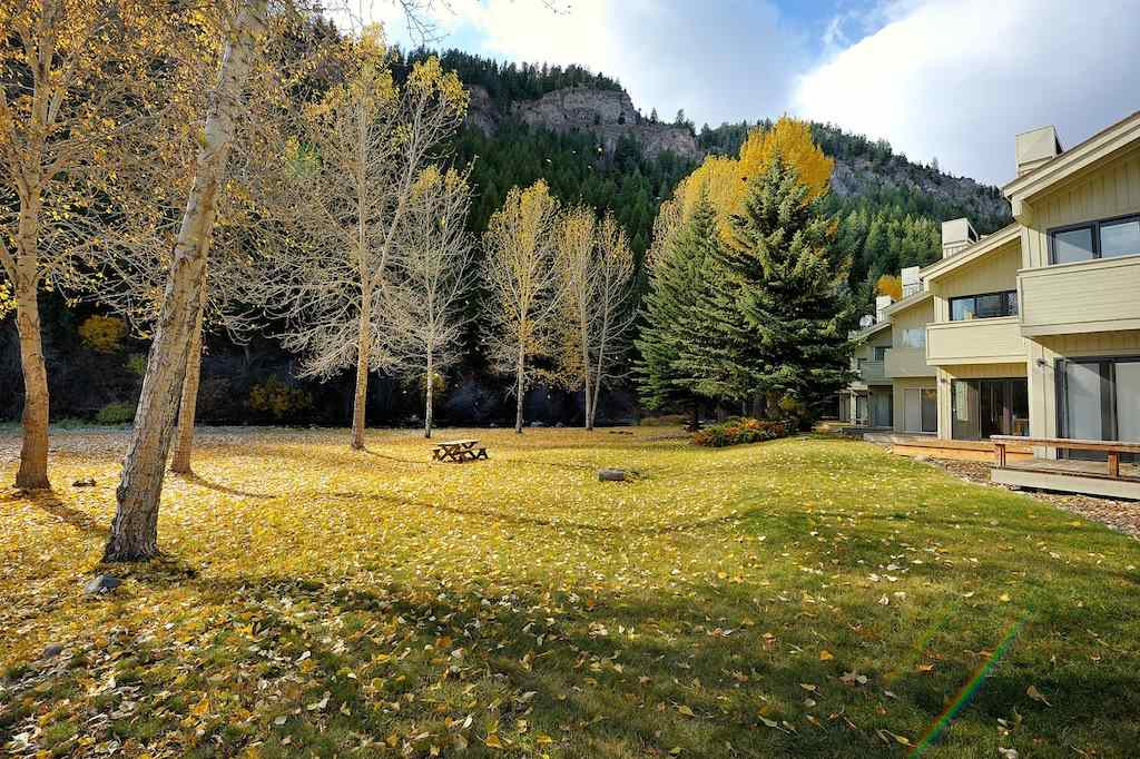 Single Family Home for Sale at 524 Woodriver Dr 524 Woodriver Dr Ketchum, Idaho 83340