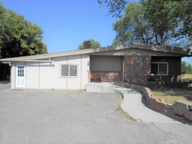 Single Family Home for Sale at 1230 J Street 1230 J Street Heyburn, Idaho 83336