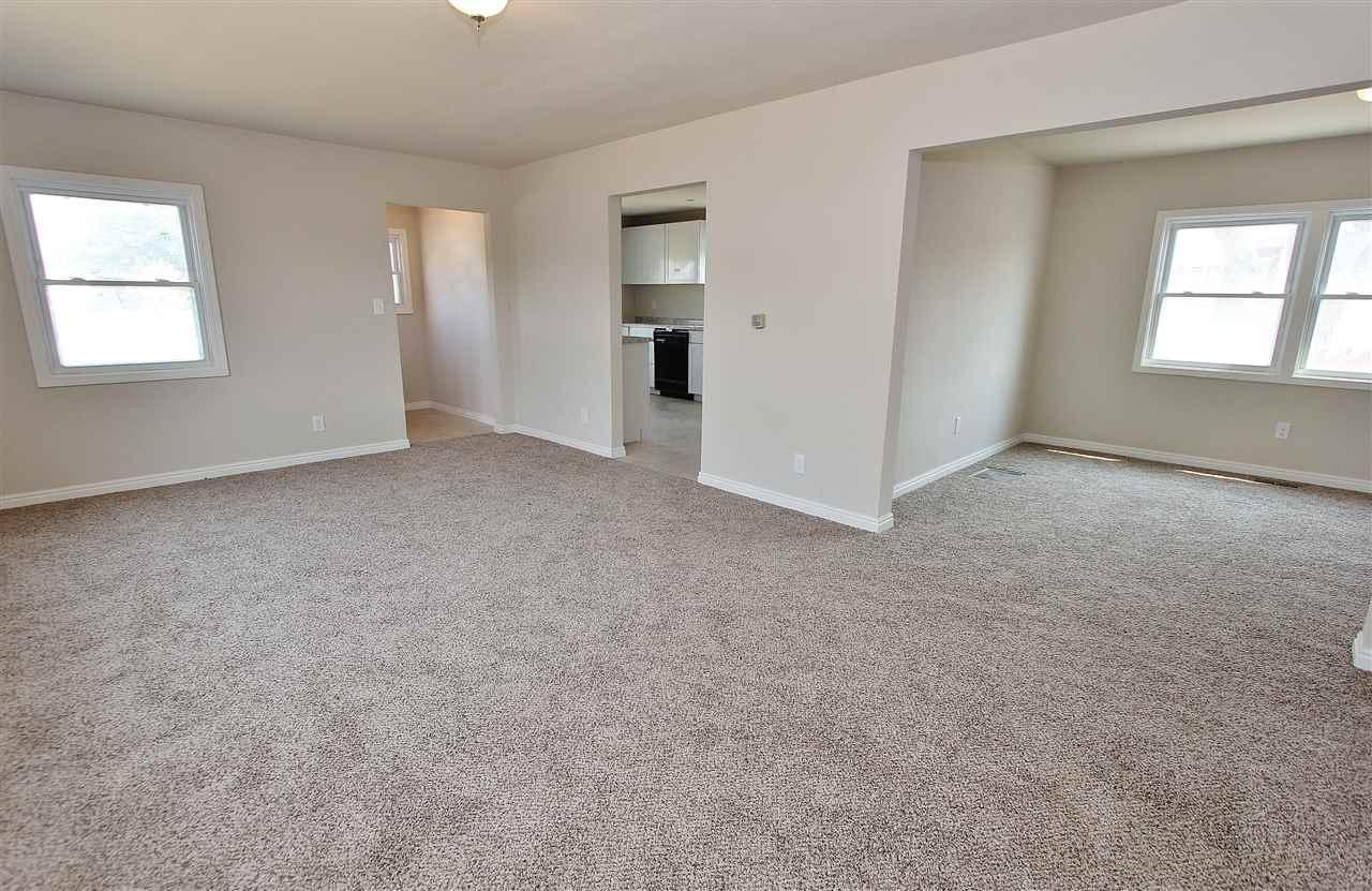 独户住宅 为 销售 在 43 W Snake River Avenue 43 W Snake River Avenue Glenns Ferry, 爱达荷州 83623