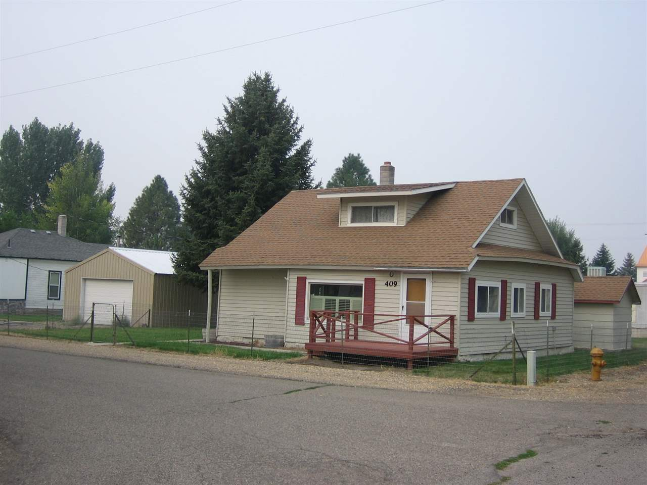 Single Family Home for Sale at 409 Palmer Street 409 Palmer Street Jordan Valley, Oregon 97910
