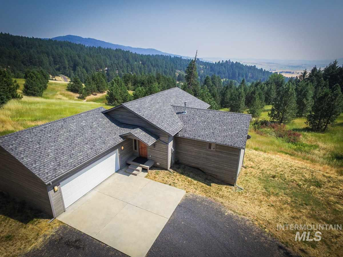 Single Family Home for Sale at 1001 Joyce Road 1001 Joyce Road Moscow, Idaho 83843