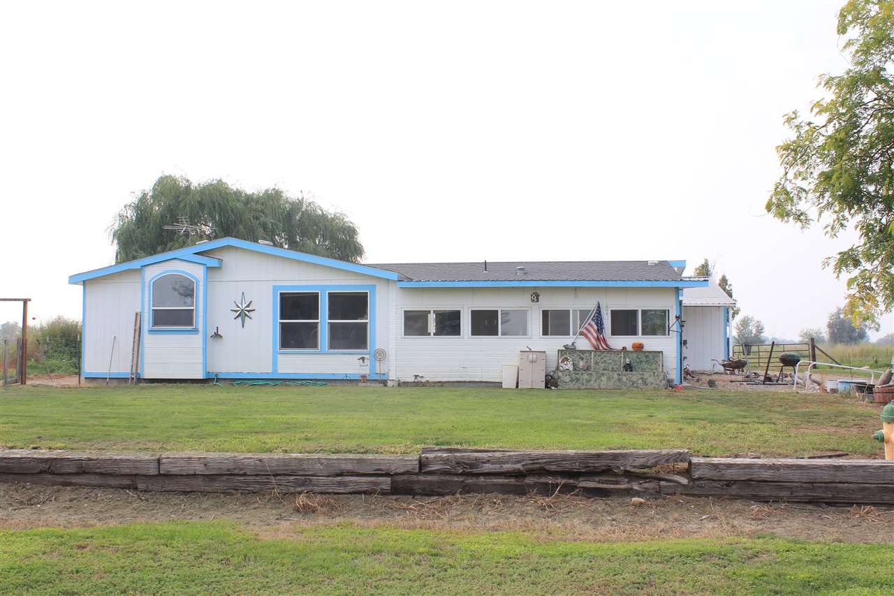 Single Family Home for Sale at 29795 Hexon Road 29795 Hexon Road Parma, Idaho 83660