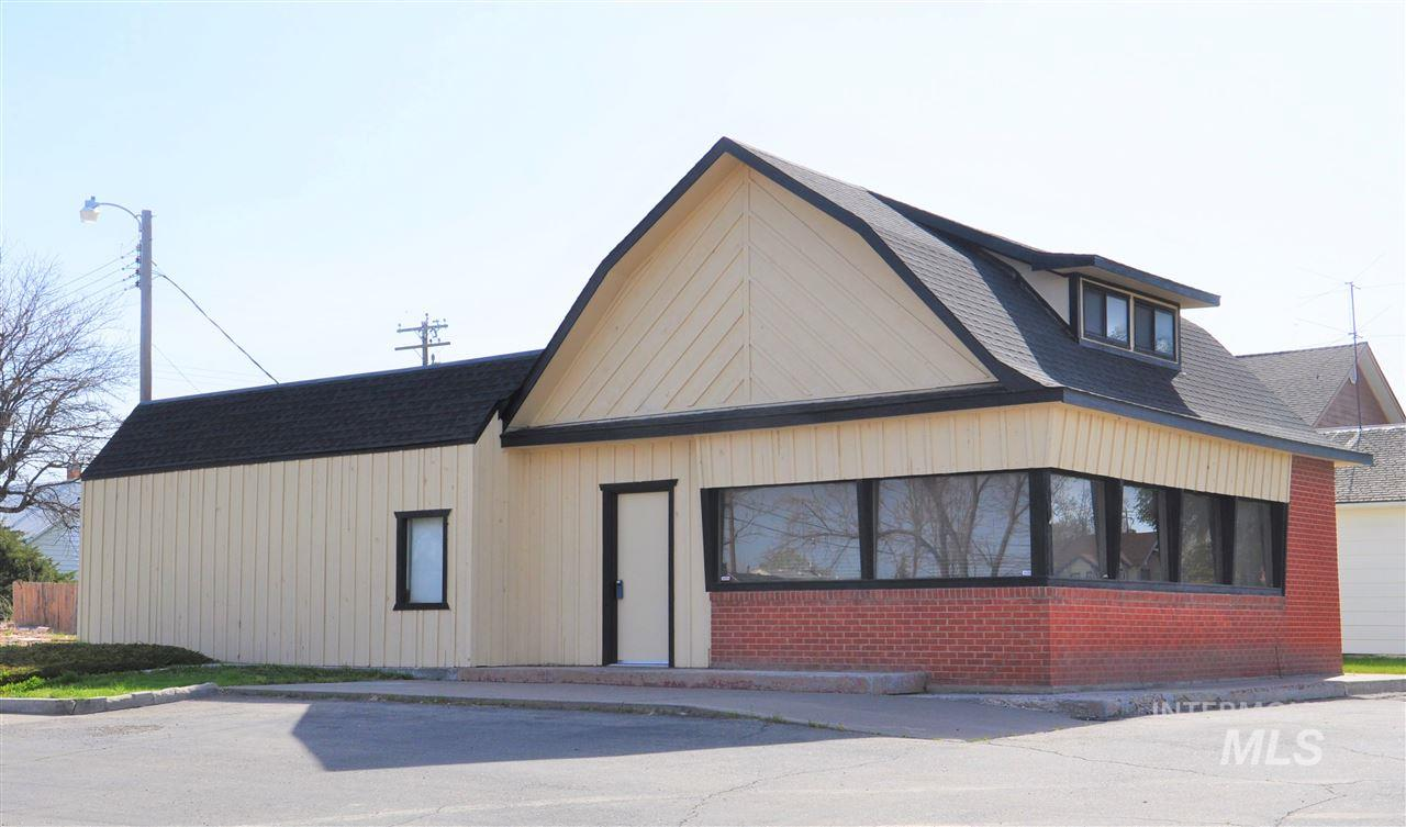 330 N Broadway,Buhl,Idaho 83316,4 Rooms Rooms,Business/Commercial,330 N Broadway,98666974