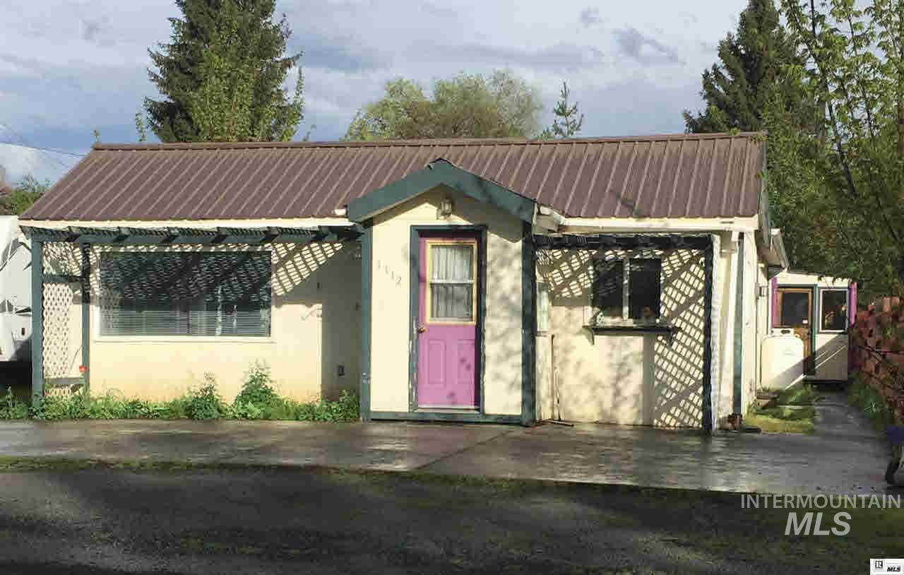 Single Family Home for Sale at 1112 Main 1112 Main Viola, Idaho 83872