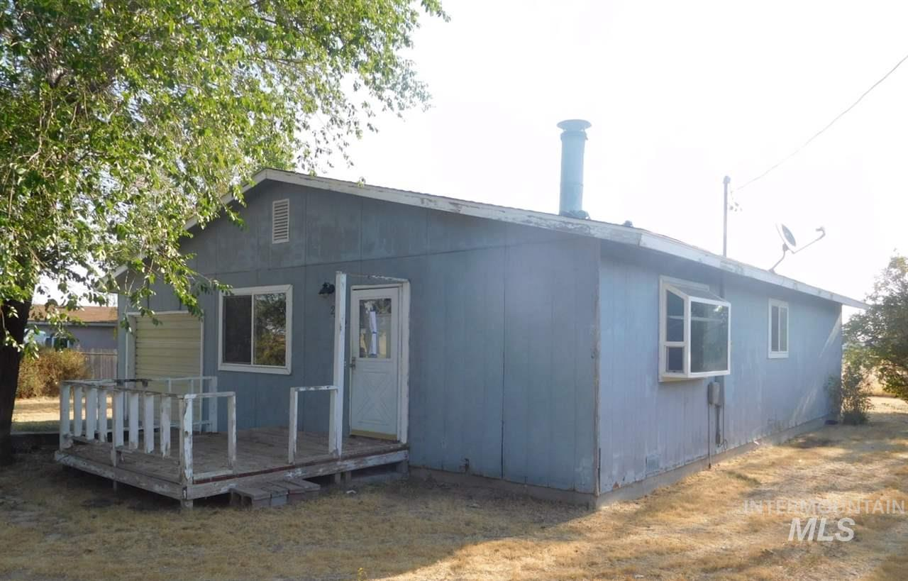 Single Family Home for Sale at 2452 Wendell Avenue 2452 Wendell Avenue Hollister, Idaho 83301