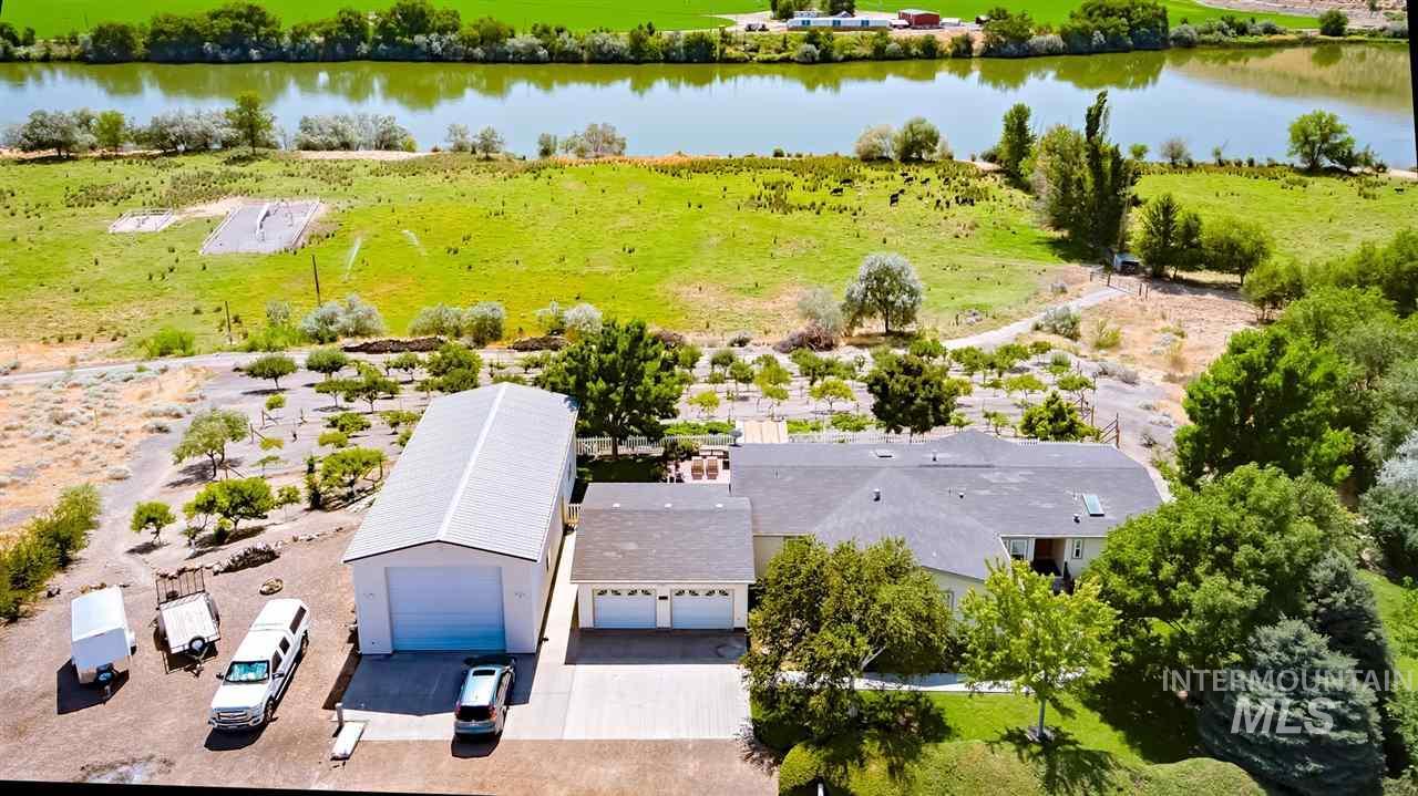 Single Family Home for Sale at 995 E Garfield Avenue 995 E Garfield Avenue Glenns Ferry, Idaho 83623
