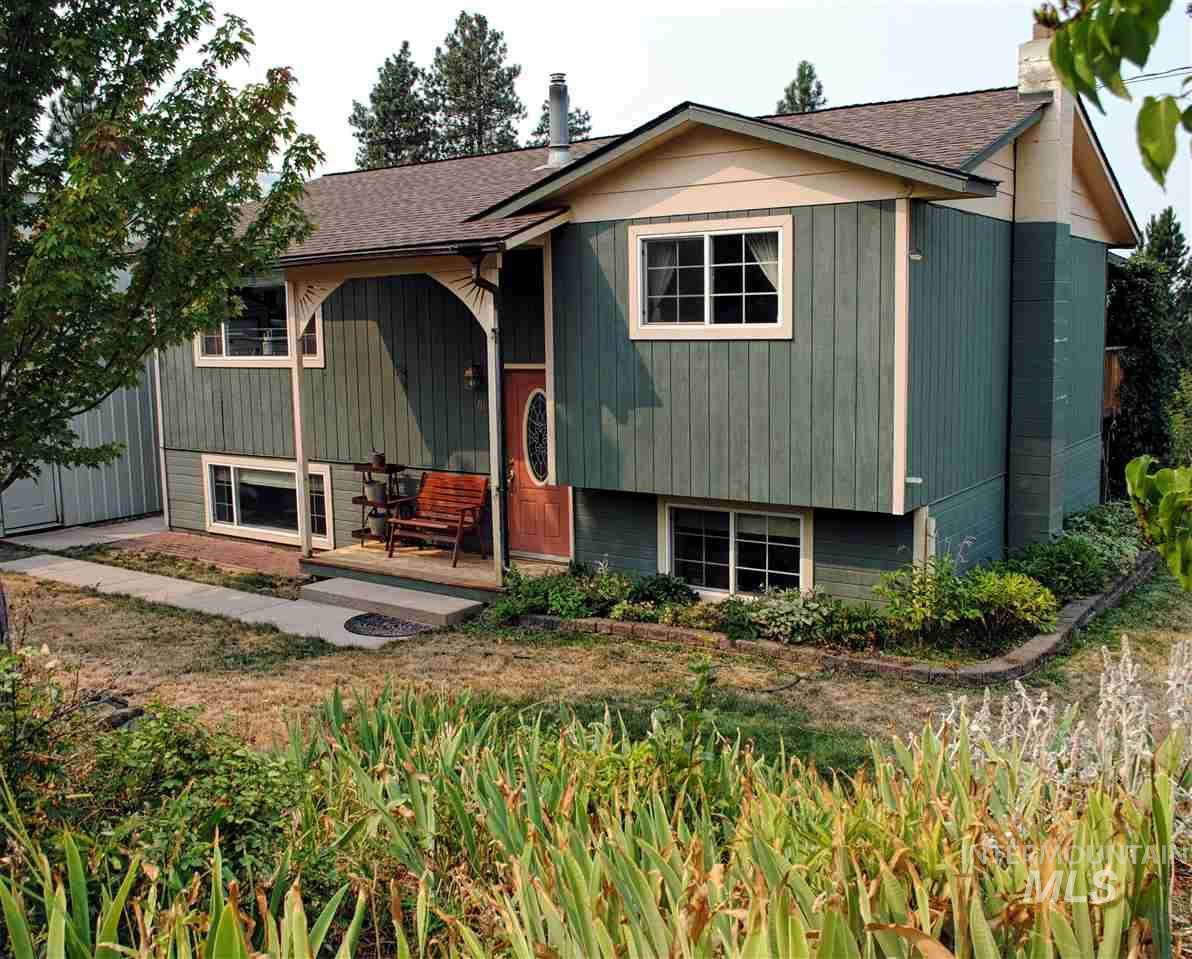 Single Family Home for Sale at 701 Rachel Street 701 Rachel Street Troy, Idaho 83871