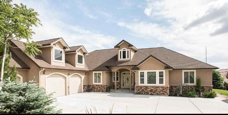 Casa Unifamiliar por un Venta en 17740 U.S. Highway 30 17740 U.S. Highway 30 Hagerman, Idaho 83332