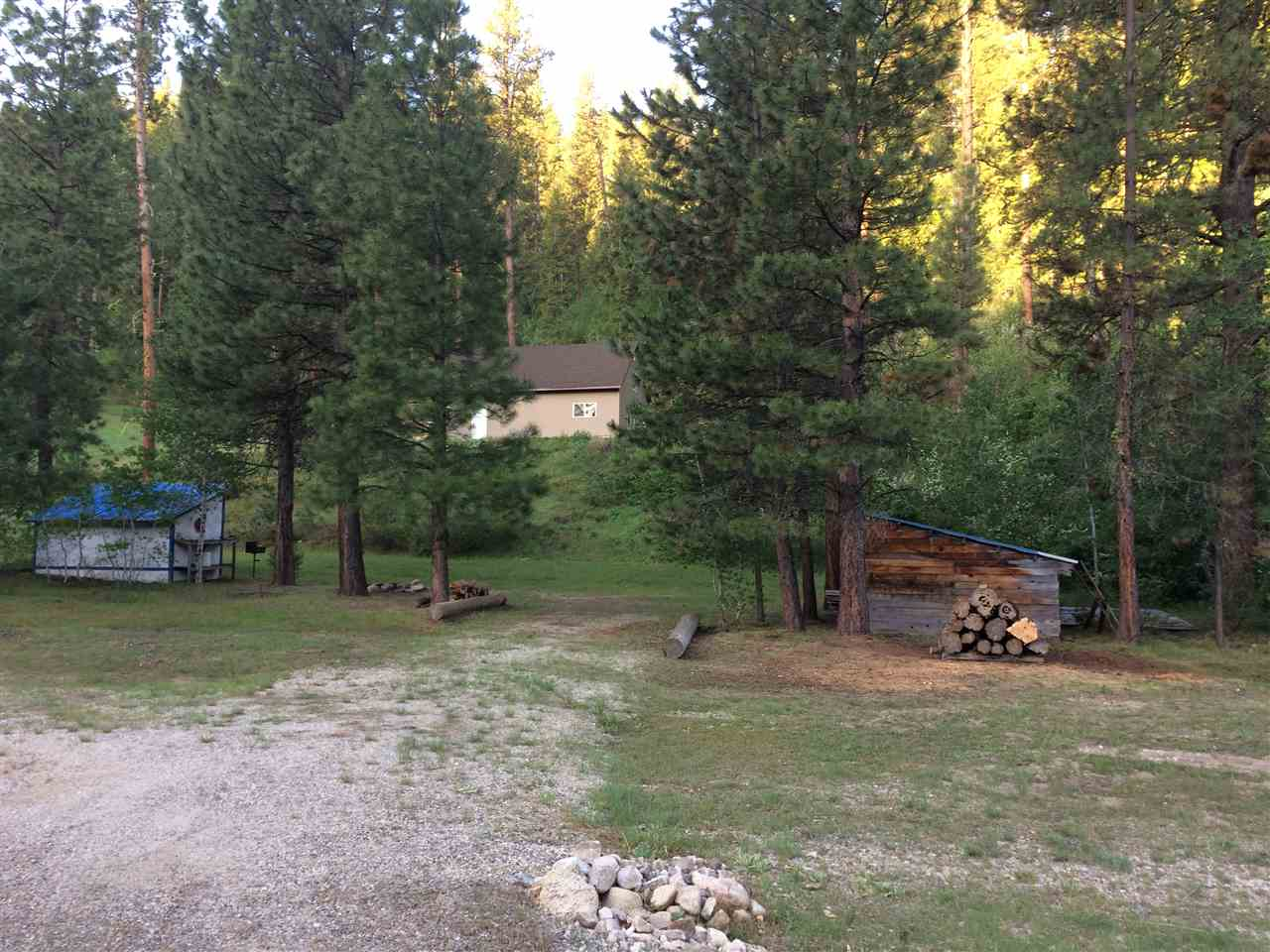 Terreno por un Venta en 1547 E Pine Creek Road 1547 E Pine Creek Road Featherville, Idaho 83647