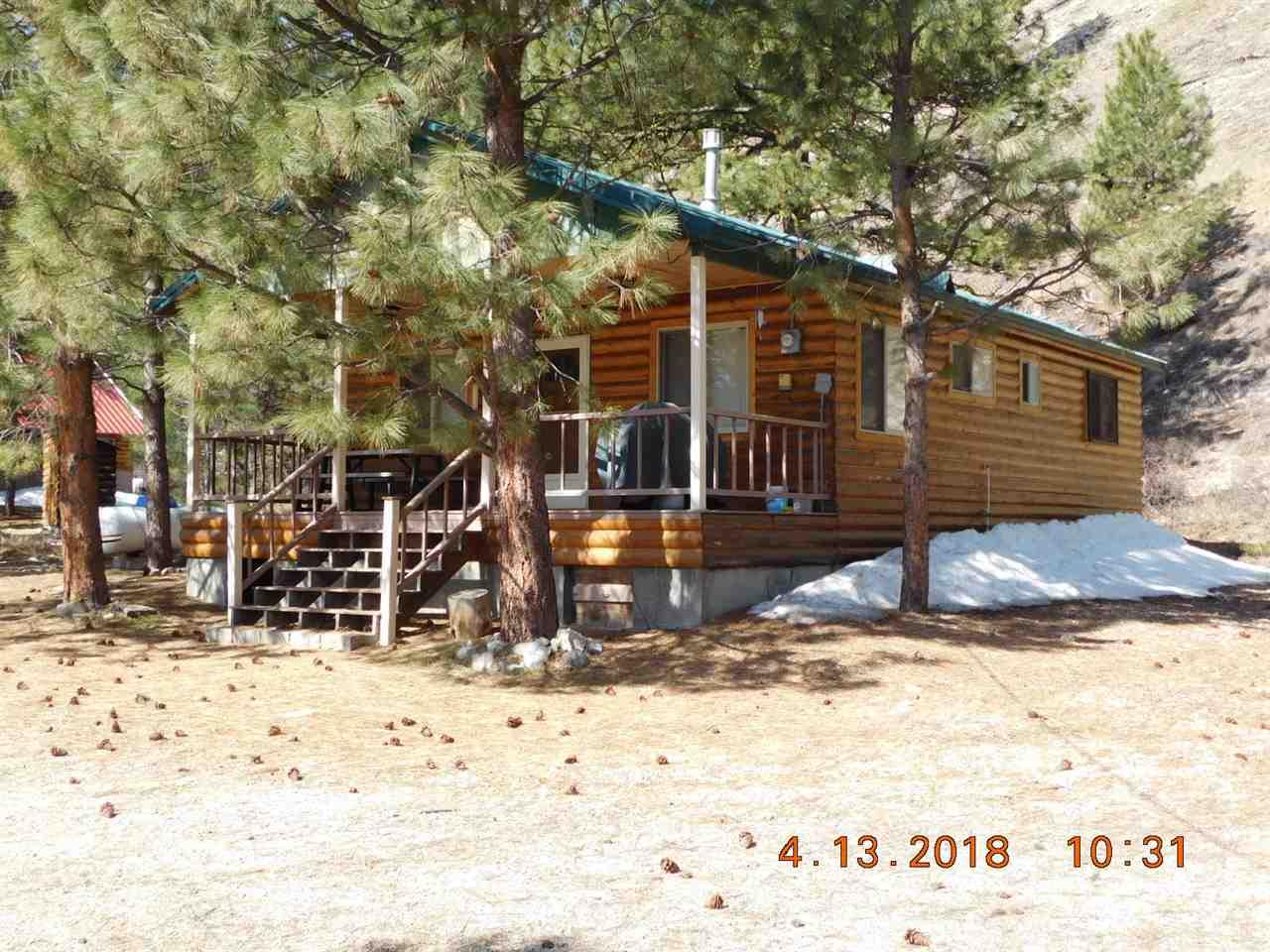 Casa Unifamiliar por un Venta en 4283 N Pine Featherville Road 4283 N Pine Featherville Road Featherville, Idaho 83647