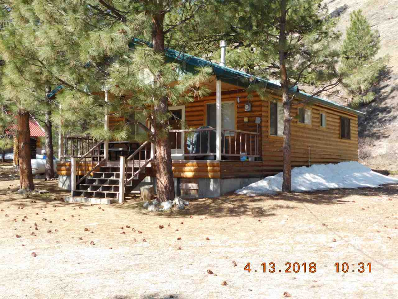 Single Family Home for Sale at 4283 N Pine Featherville Road 4283 N Pine Featherville Road Featherville, Idaho 83647