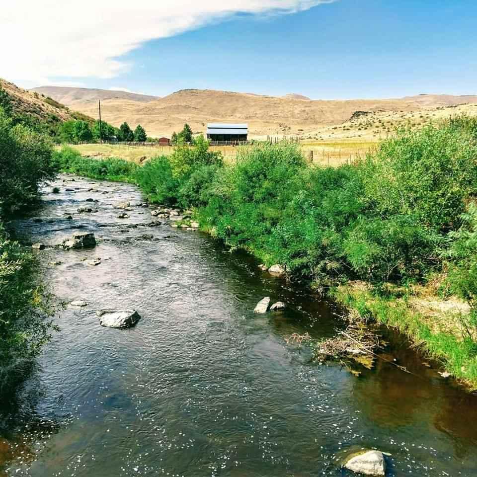 Casa Unifamiliar por un Venta en 17777 Sweet Ola Hwy 17777 Sweet Ola Hwy Ola, Idaho 83657