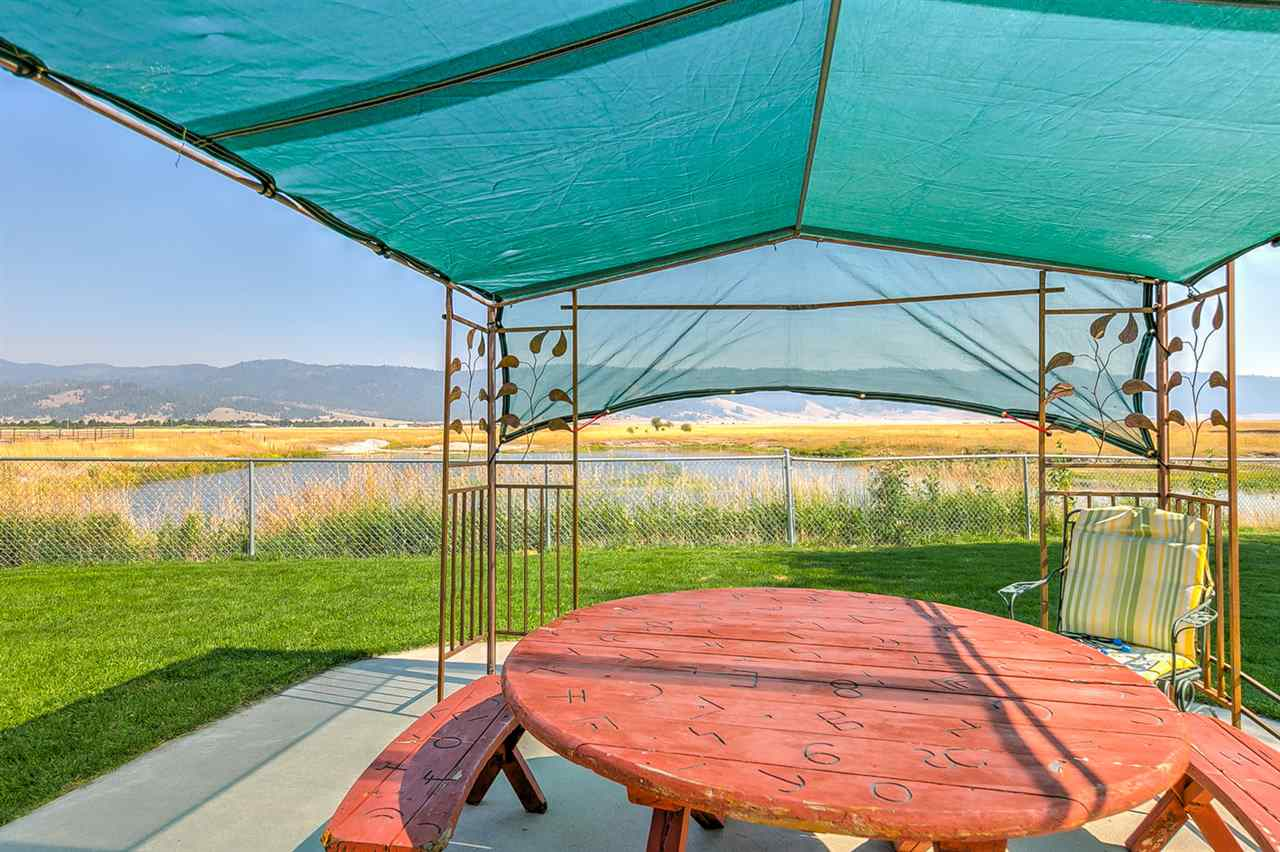 Additional photo for property listing at 15 Sixty Lane 15 Sixty Lane Cascade, Idaho 83611