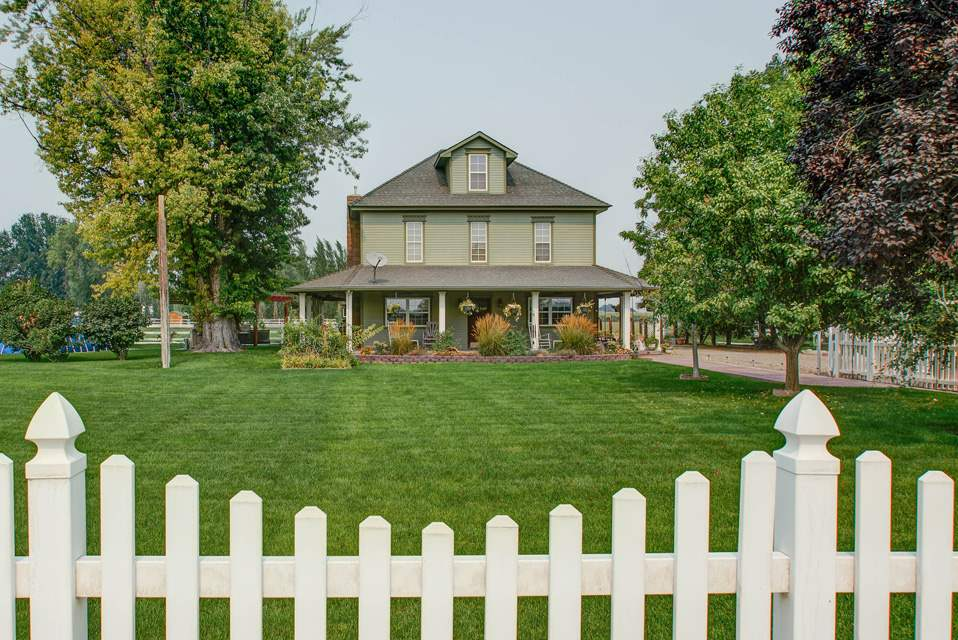 Single Family Home for Sale at 105 E 1st Street 105 E 1st Street Fruitland, Idaho 83619