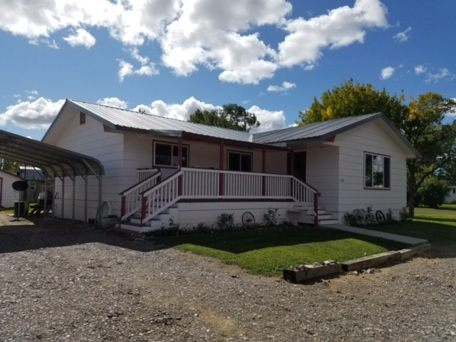 Single Family Home for Sale at 204 4th Street Hazelton, ID 204 4th Street Hazelton, ID Hazelton, Idaho 83335