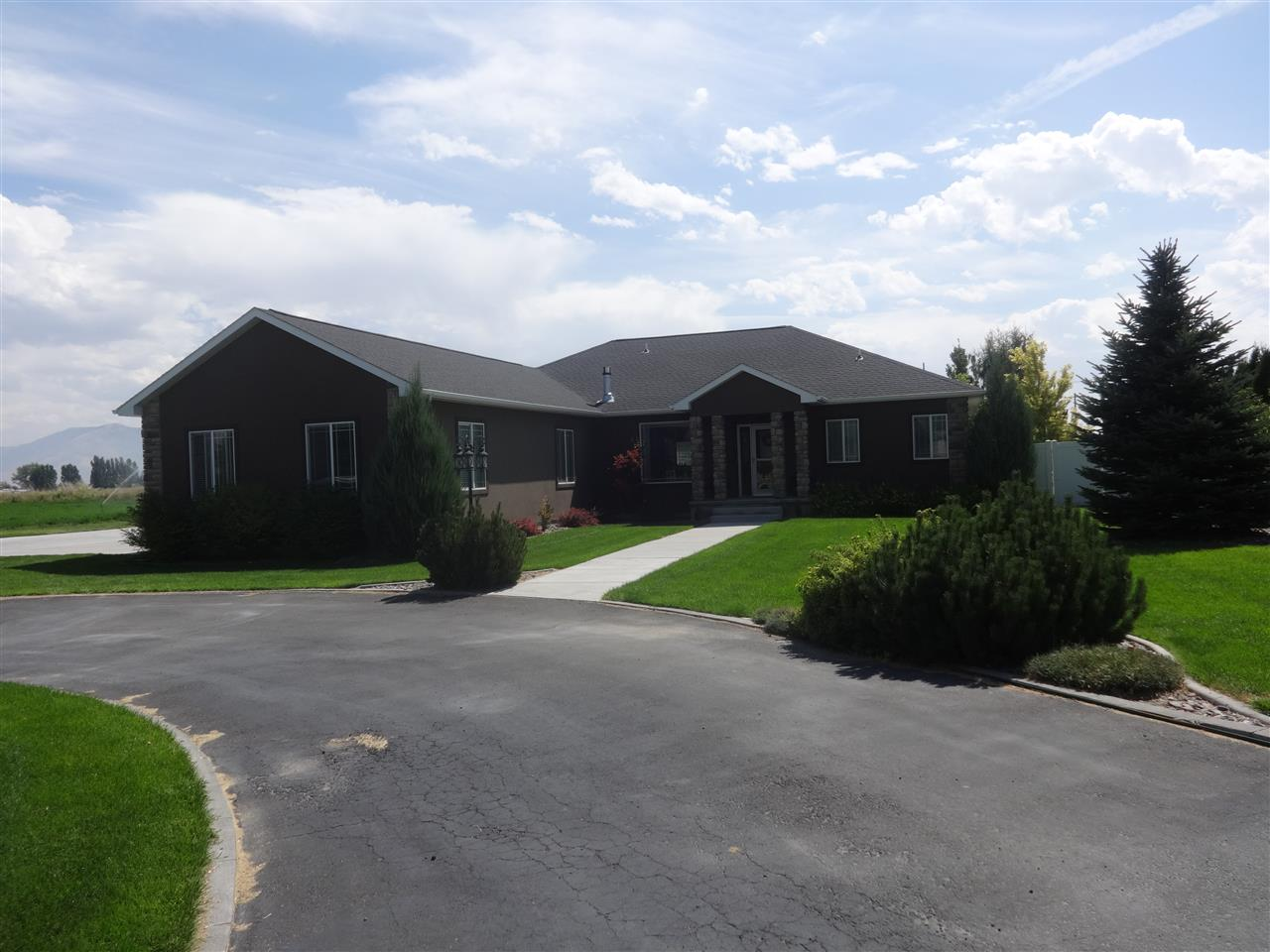 Single Family Home for Sale at 413 S 50 W 413 S 50 W Burley, Idaho 83318