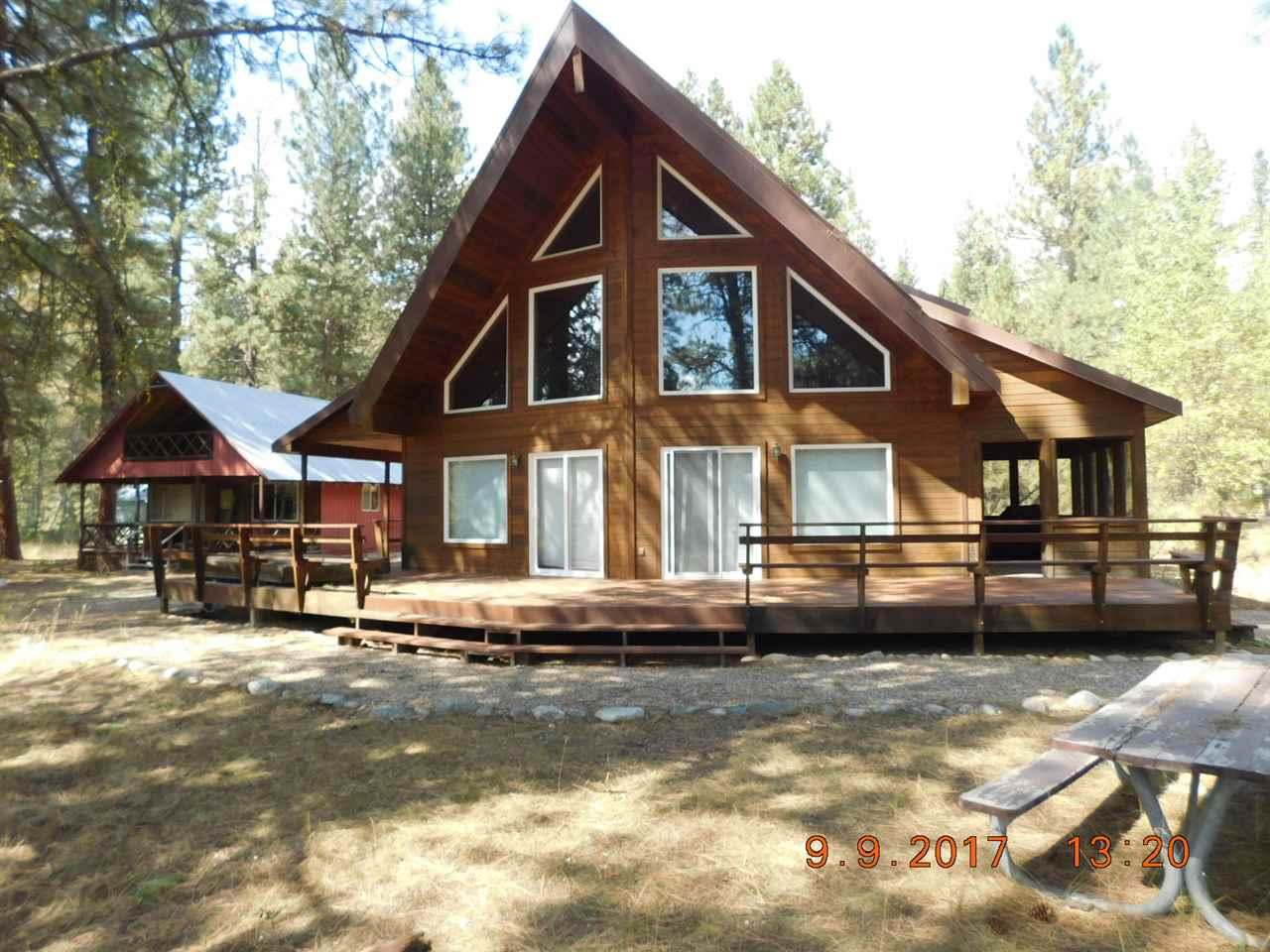 Casa Unifamiliar por un Venta en 1605 E River Drive 1605 E River Drive Featherville, Idaho 83647