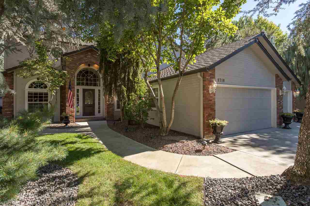 Single Family Home for Sale at 8710 W Atwater Drive 8710 W Atwater Drive Garden City, Idaho 83714
