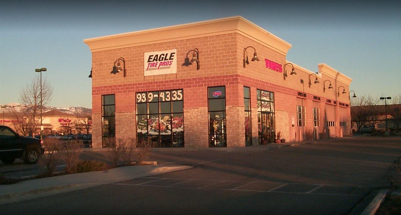 零售 为 销售 在 2948 E State Street 2948 E State Street Eagle, 爱达荷州 83616