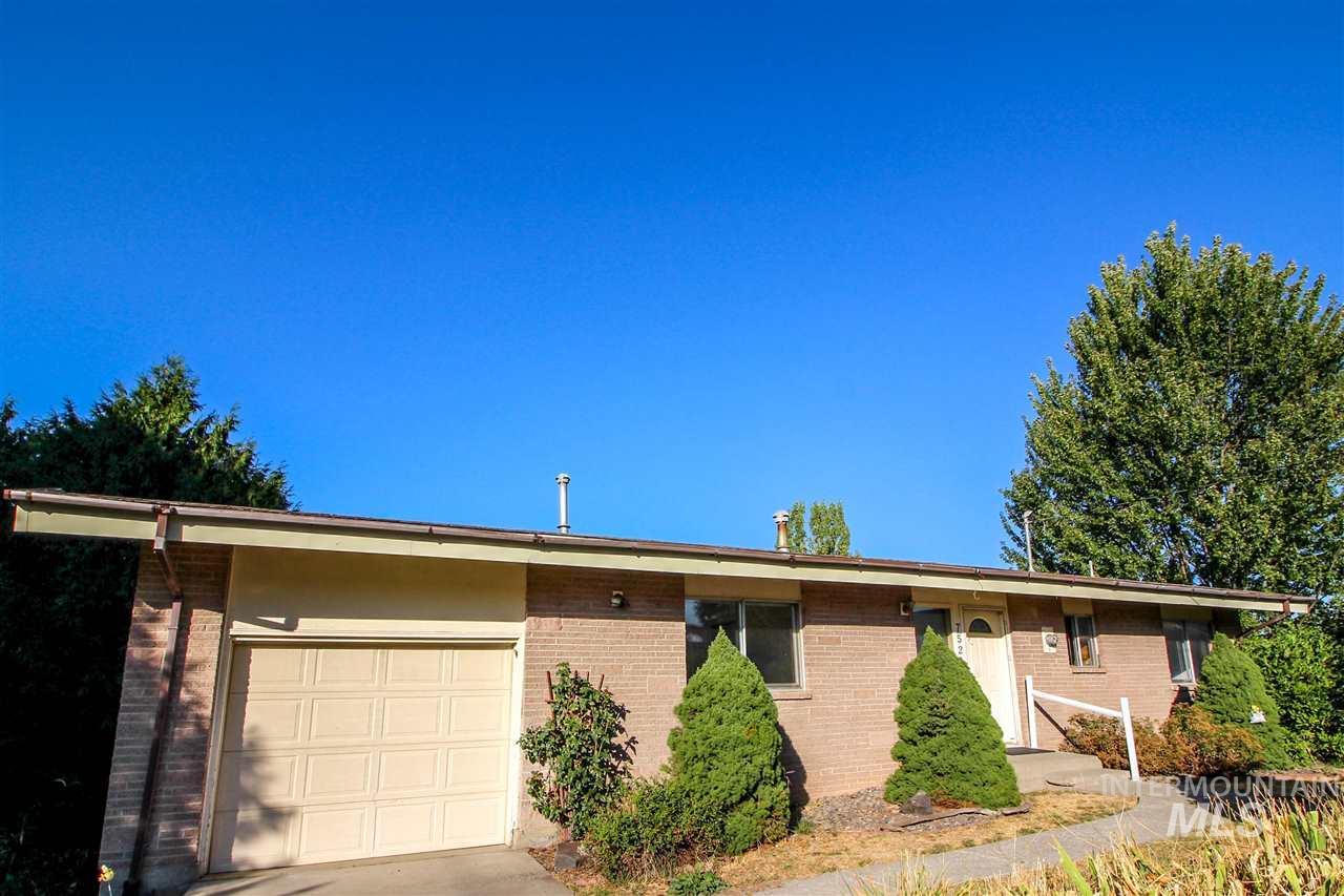 Casa Unifamiliar por un Venta en 752 SE Ridgeview Court 752 SE Ridgeview Court Pullman, Washington 99163