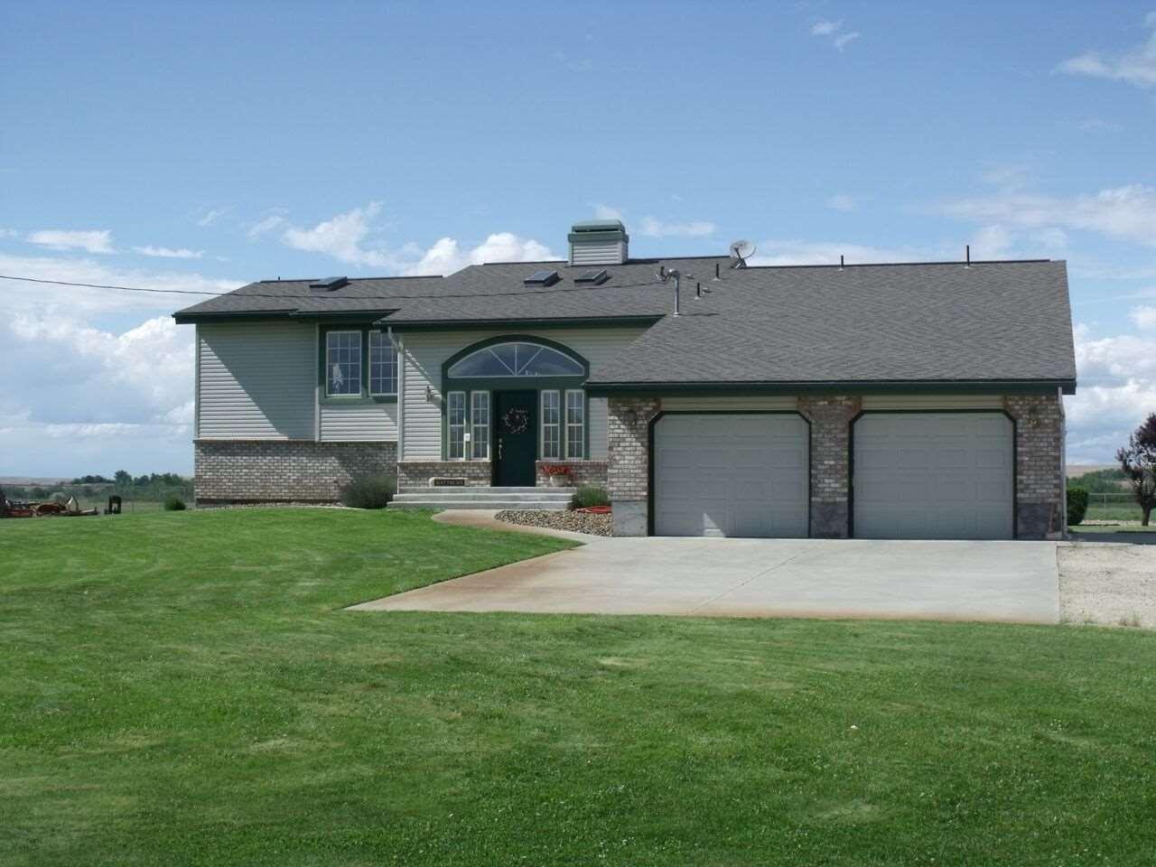 Casa Unifamiliar por un Venta en 5595 Cascade Road 5595 Cascade Road Emmett, Idaho 83617