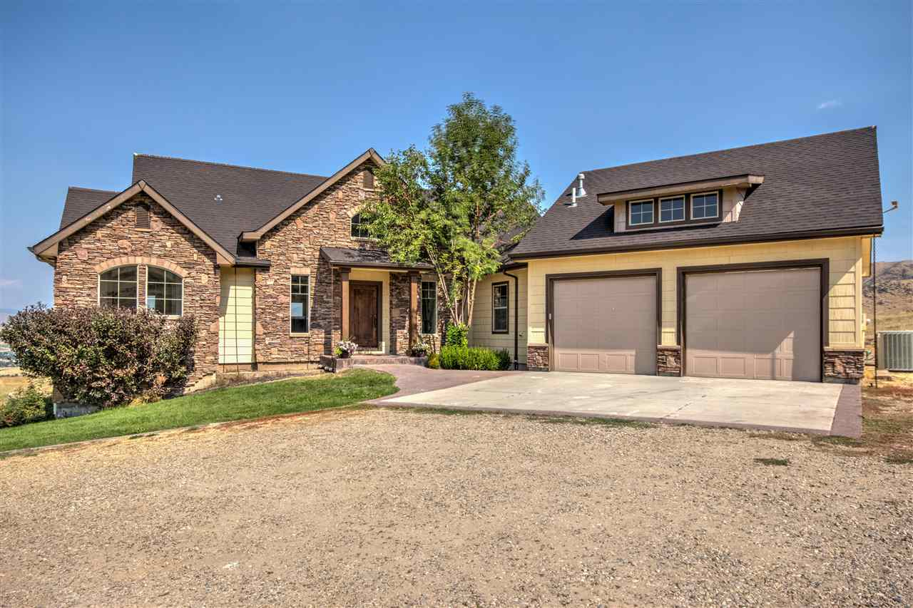 Single Family Home for Sale at 6 Spur Vue Drive 6 Spur Vue Drive Horseshoe Bend, Idaho 83629