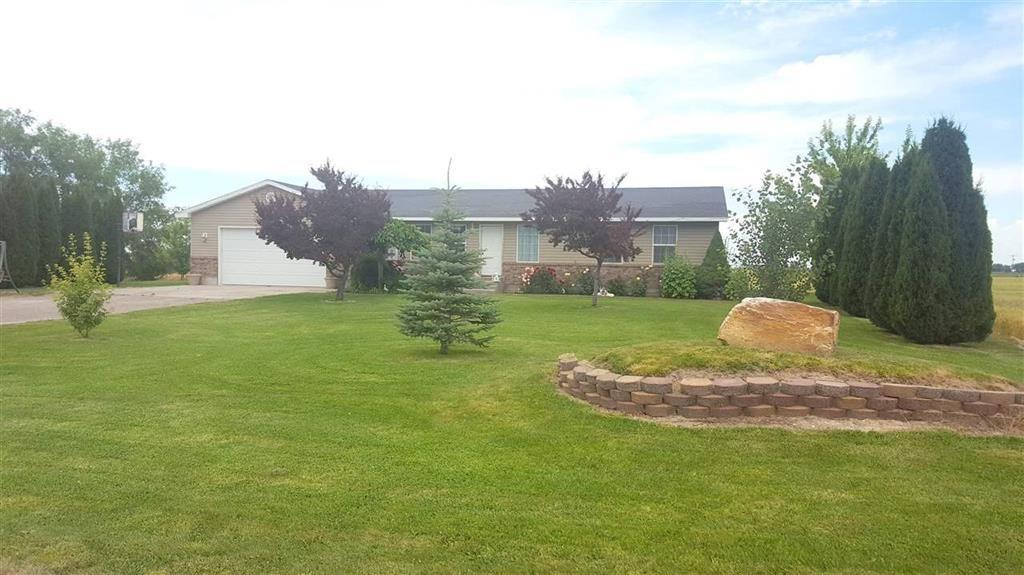独户住宅 为 销售 在 912 E 200 S 912 E 200 S Declo, 爱达荷州 83323