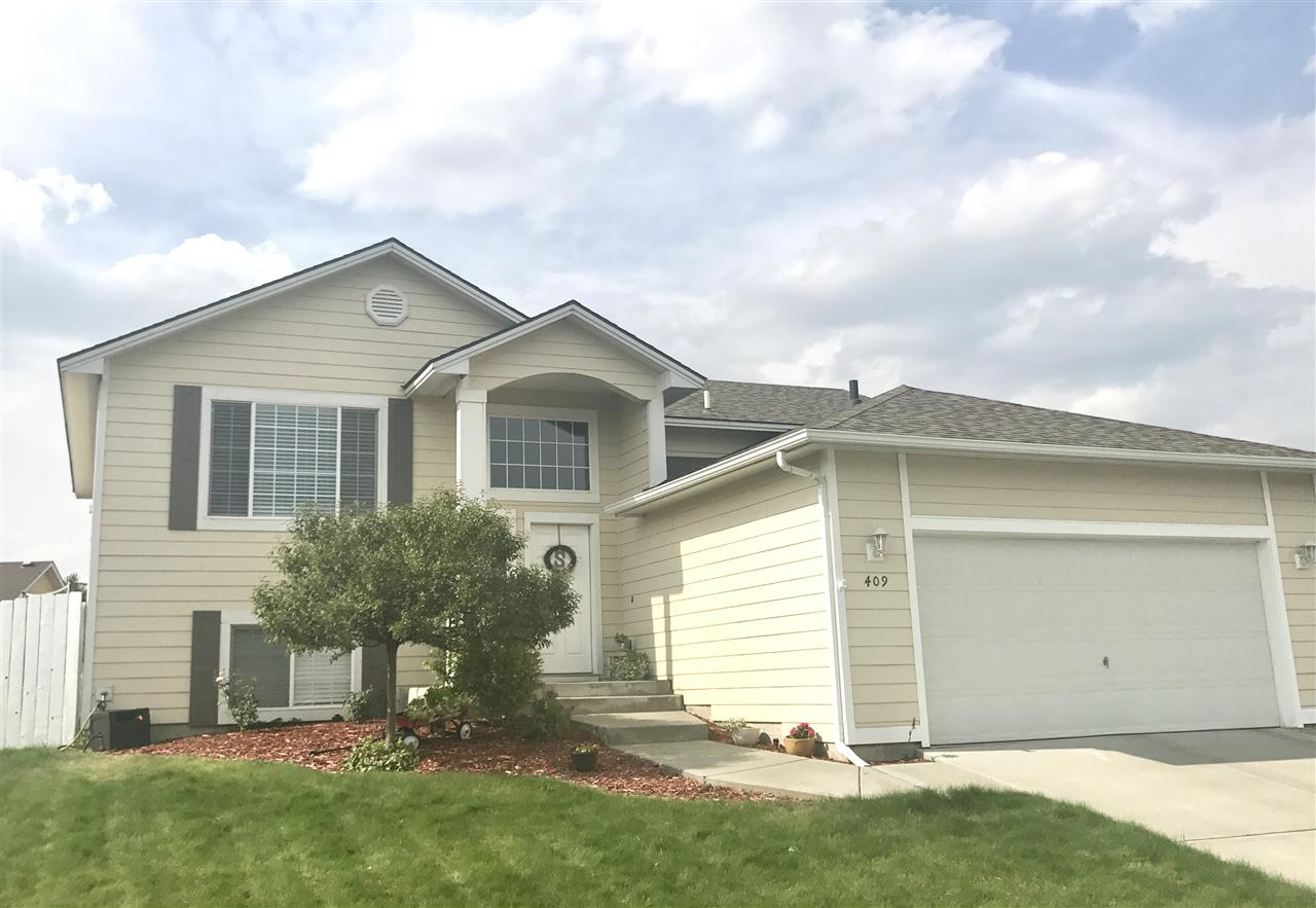 Single Family Home for Sale at 409 N Almondwood Drive 409 N Almondwood Drive Post Falls, Idaho 83854