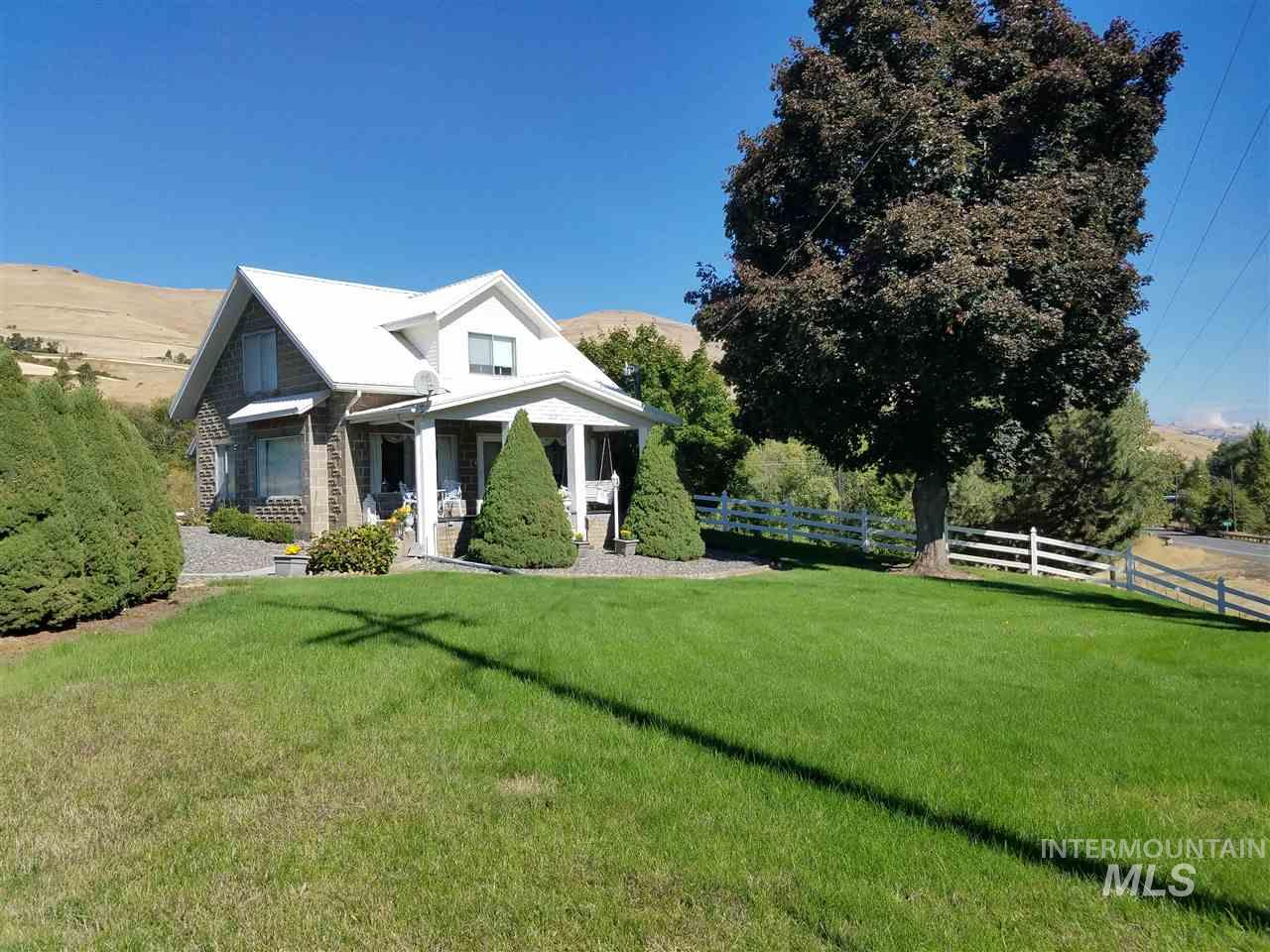 Single Family Home for Sale at 709 State Street 709 State Street Juliaetta, Idaho 83535