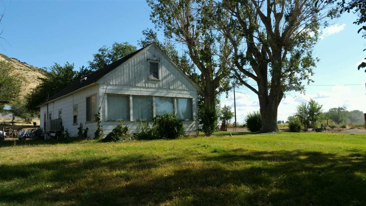 52811 Highway 78,Hammett,Idaho 83627,3 Bedrooms Bedrooms,1 BathroomBathrooms,Residential,52811 Highway 78,98672070