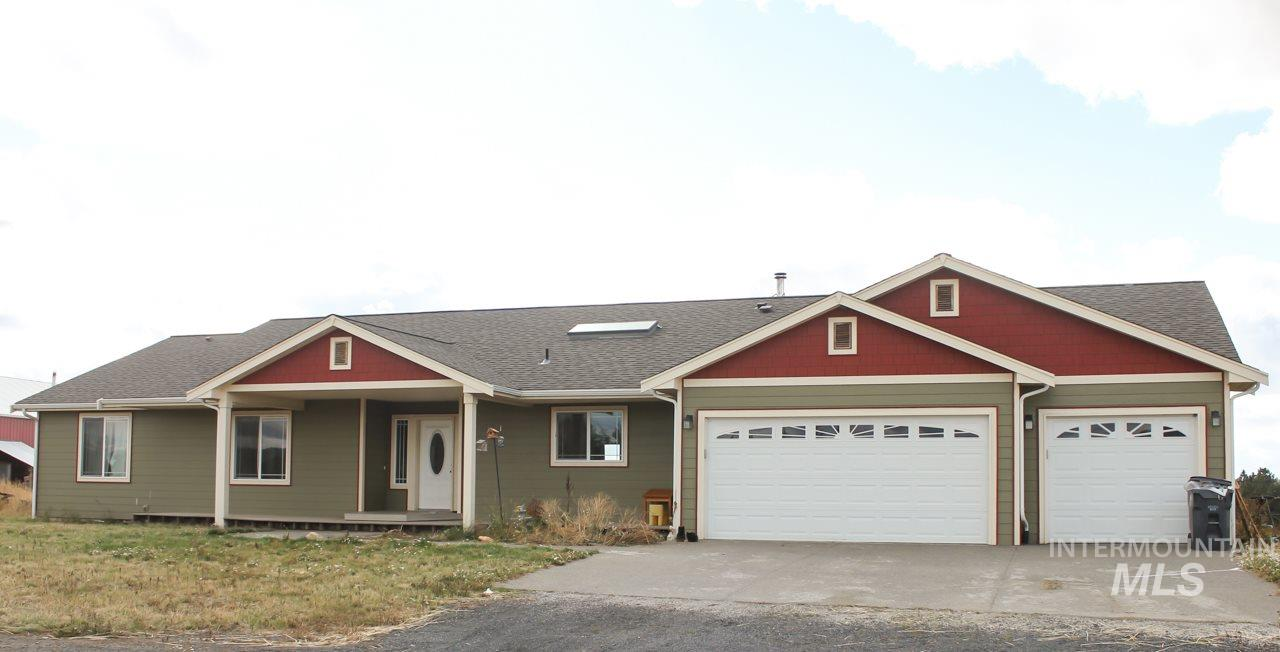 Casa Unifamiliar por un Venta en 1319 Pleasant Hill Road 1319 Pleasant Hill Road Troy, Idaho 83871