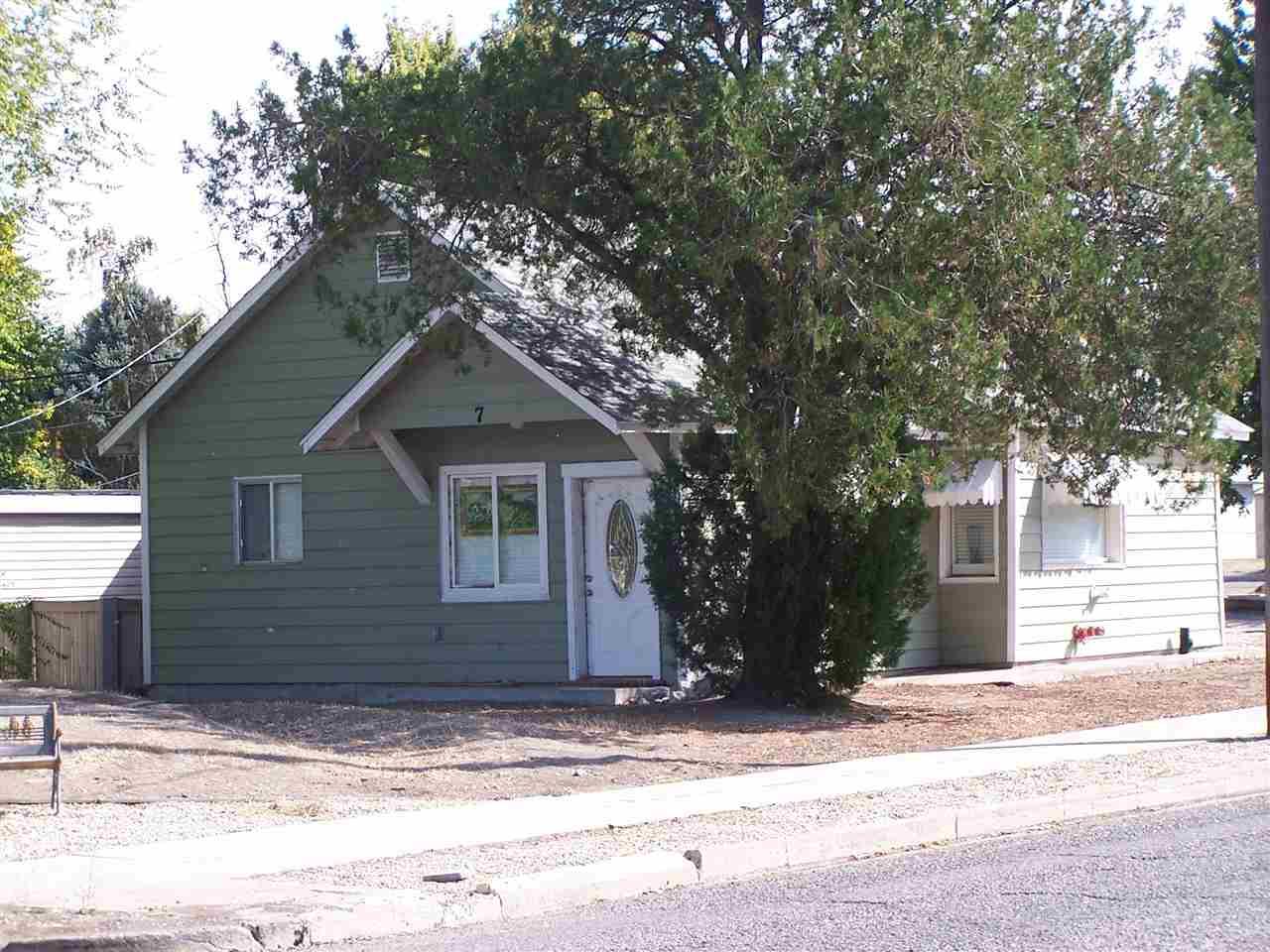 Single Family Home for Sale at 7 E CLEVELAND 7 E CLEVELAND Glenns Ferry, Idaho 83623