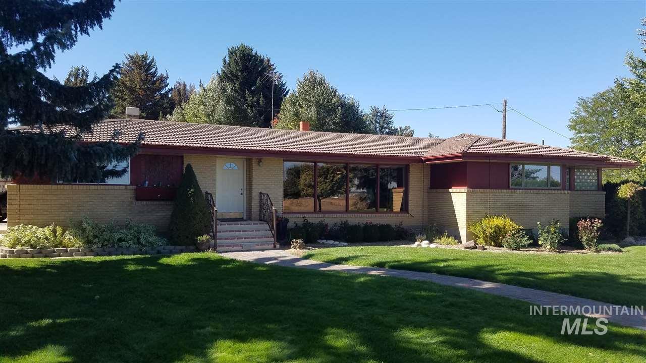 独户住宅 为 销售 在 23551 B Hwy 30 23551 B Hwy 30 Murtaugh, 爱达荷州 83344