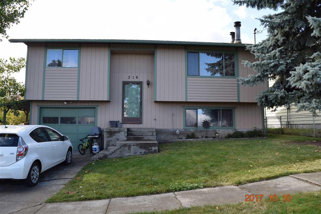独户住宅 为 销售 在 316 W North 7th Street 316 W North 7th Street Grangeville, 爱达荷州 83530