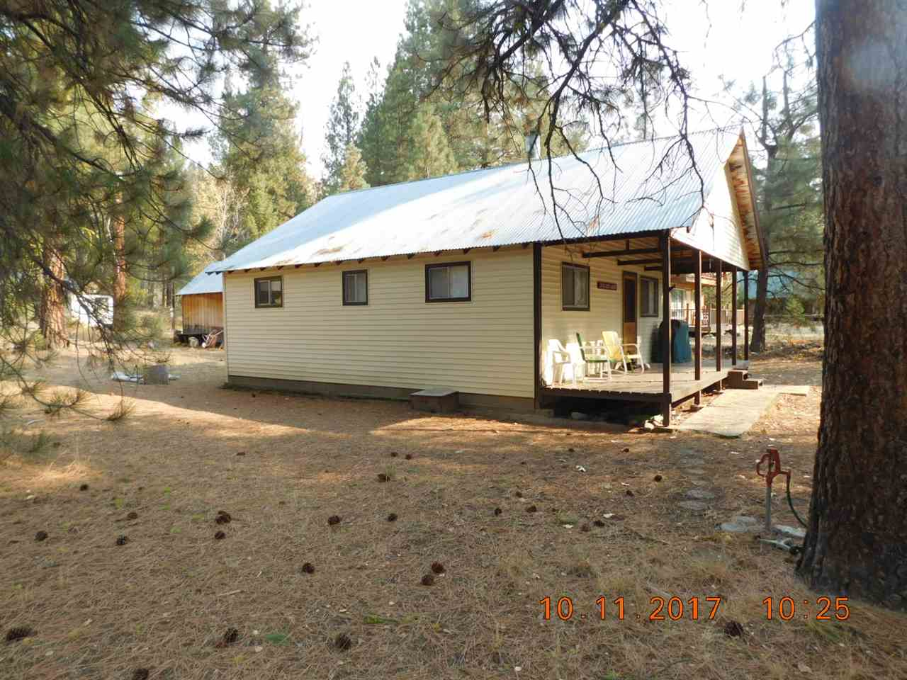 Single Family Home for Sale at 1596 E River Drive 1596 E River Drive Featherville, Idaho 83647