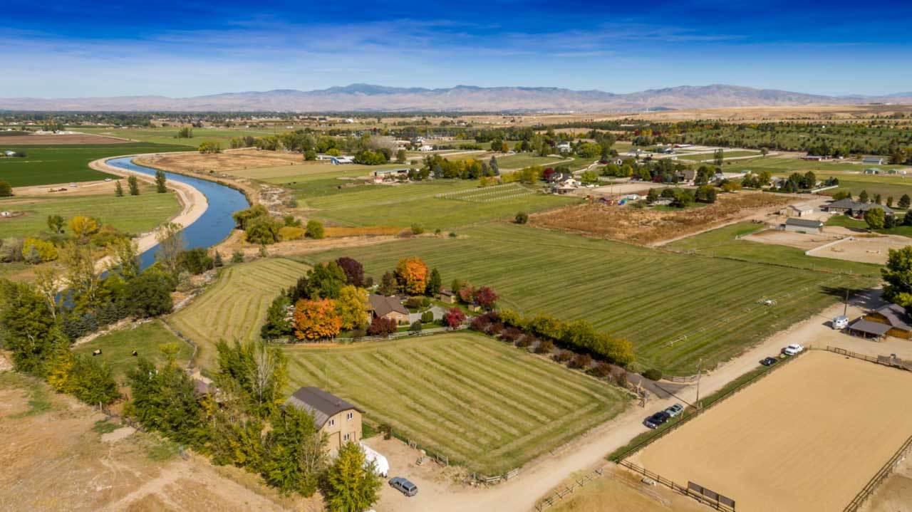 Ranch for Sale at 5680 E Cutting Horse Lane 5680 E Cutting Horse Lane Kuna, Idaho 83634