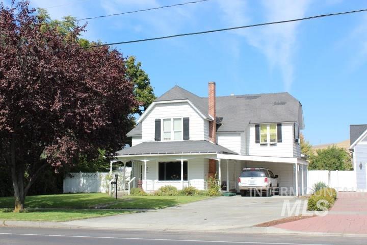 独户住宅 为 销售 在 407 1st Street 407 1st Street Asotin, 华盛顿州 99402