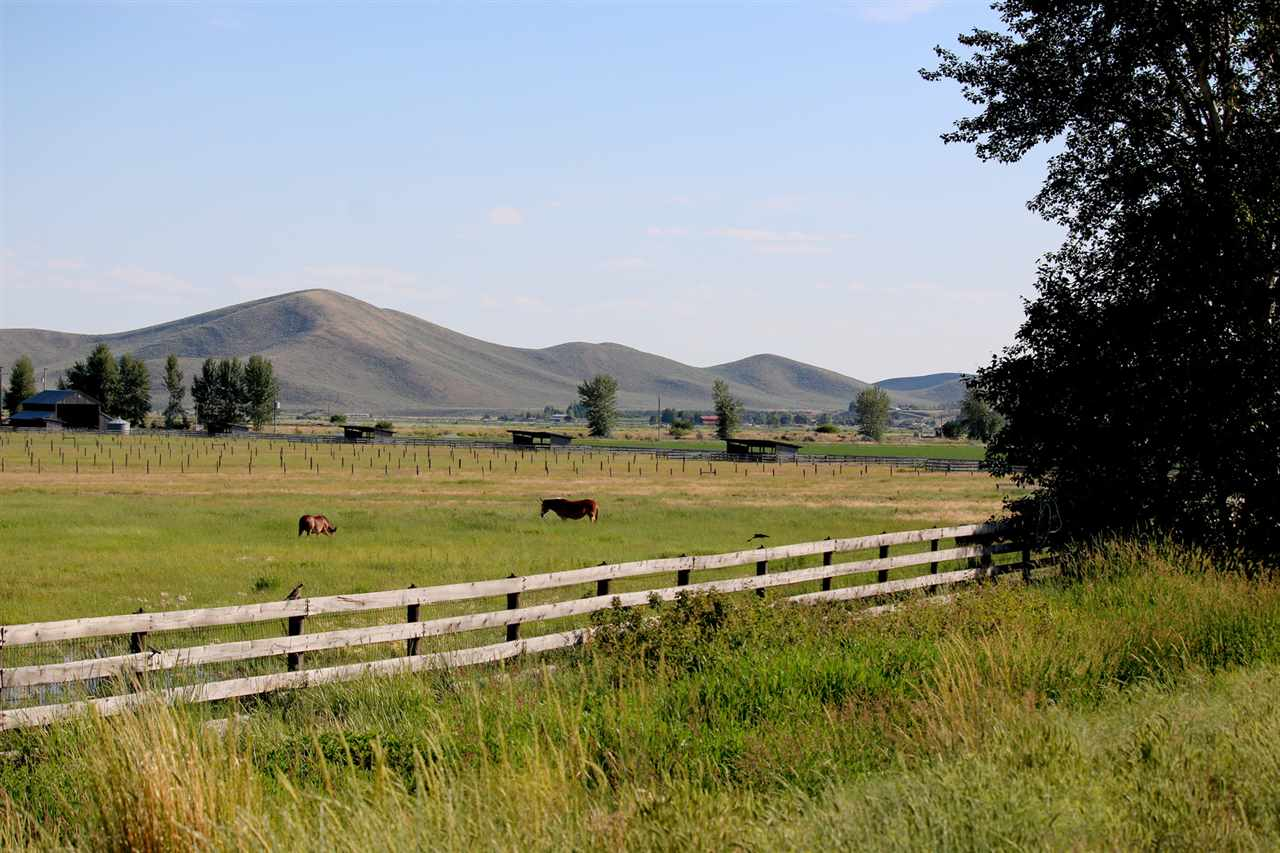 Ranch for Sale at 10 Costoff Road 10 Costoff Road Bellevue, Idaho 83313