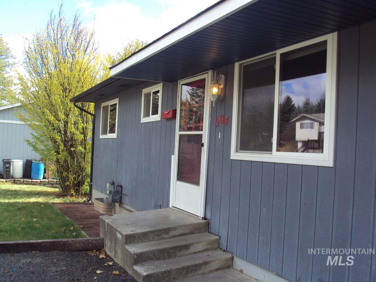 Single Family Home for Sale at 504 Mark Road 504 Mark Road Troy, Idaho 83871
