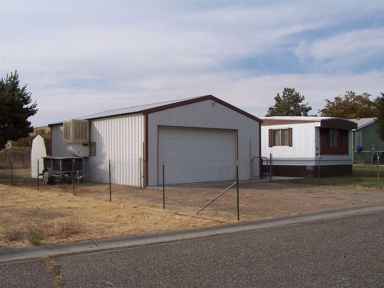 Single Family Home for Sale at 37 N BRADBURY 37 N BRADBURY Glenns Ferry, Idaho 83623