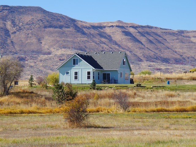 Single Family Home for Sale at 590 W Central Blvd. 590 W Central Blvd. Cambridge, Idaho 83610