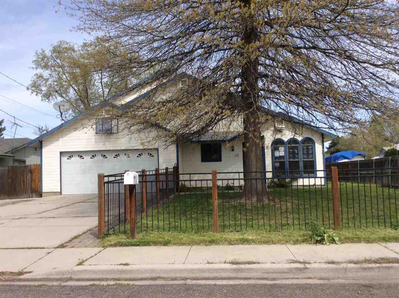 1300 W Targee St,Boise,Idaho 83706,5 Bedrooms Bedrooms,3 BathroomsBathrooms,Residential,1300 W Targee St,98674879