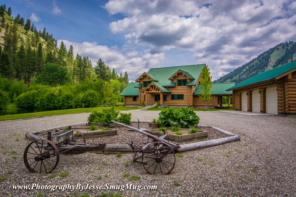 独户住宅 为 销售 在 2660 N Hwy 93 2660 N Hwy 93 North Fork, 爱达荷州 83466